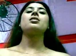 مصرية هايجة عالموبيل