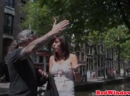 مثير عاهرة أمستردام تنجز المهمة مع قبوها
