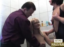 تقوم الجبهة الألمانية بعمل مشاهد جنسية ملحمية بشكل فني في كل مرة يكون فيها عميلها في مكتبها