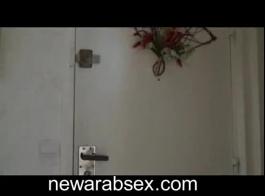 سكس ومداعبةعربي في الحمام قصير
