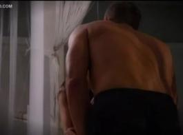 فاتنة شقية ، رينا سكاي تمارس الجنس مرة أخرى من قبل أحد طلابها ، في المرحاض