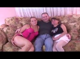 رجل غريب حصل على اللسان المذهل من زوجة أفضل صديق له ، ثم مارس الجنس معها