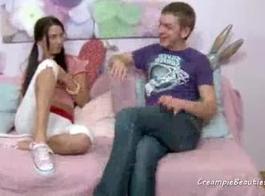 صغيرتي الروسية في سن المراهقة يتقاسمها رجل عجوز سمين