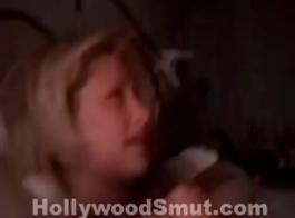 مذهلة تايلور هيلتون مارس الجنس على المقعد الخلفي