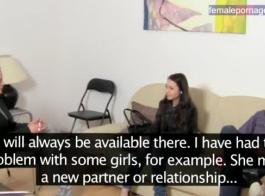 تحصل امرأة سمراء أوروبية ذات صدر صغير على ممارسة الجنس المزدوج في العديد من المواقف ، من جميع عشاقها