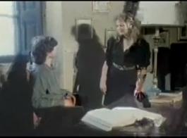الاباحية القبضات ممارسة الجنس مع اثنين من اللاعبين المحظوظين