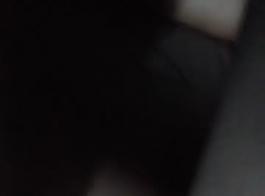 ميليسا مونرو تقوم بمص القضيب و تمارس الجنس في نفس الوقت حتى تقذف