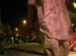 رقص مص الزب