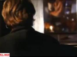 لطيف الجبهة السوداء الخطوة أمي كايلا لانيغور يأخذ الديك الأسود في فمها و العضو التناسلي النسوي شعر بعد جلد ابنها. أفلام كلاسيكية رائعة