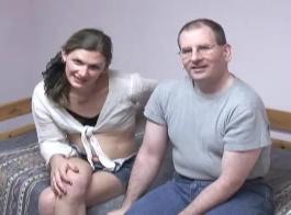 رجل يمارس الجنس مع حيونات كلاب