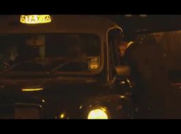 أنثى تاكسي وهمية كارلي بروكس يفغر في سيارة أجرة عكس راعية البقر اليوم