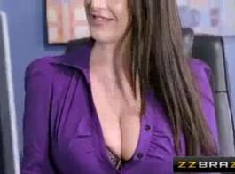 أمين مفلس يحب ممارسة الجنس مع معلمها بدلا من القيام بعملها بشكل صحيح