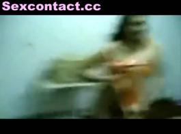 عاهرة الهندي التسول مقابل المال على كام