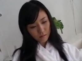 الكمال الفرخ الياباني يبلغ من العمر 18 عاما تفعل اللسان العميق