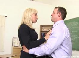 سقط جيسيكا لين لرجل من حيها القديم وأراد اللسان الجيد.