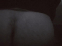 رنات المؤخرة الكبيرة العضو التناسلي النسوي جائع الديك العضلي