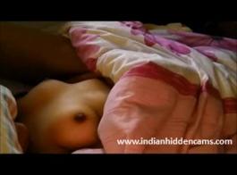 طبيعي هندي زوجة صغيرة شاق مارس الجنس مع مقص بوف