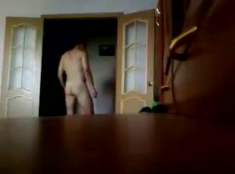 أخي وعمته يمارس الجنس في الخفاء