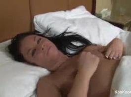 ايمي شيلون 02