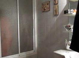 زوجة الهواة في الحمام