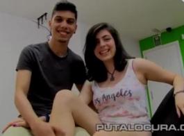 كاميرا ويب في سن المراهقة زوجة مارس الجنس مفتوحة على مصراعيها من قبل ضخمة ديك