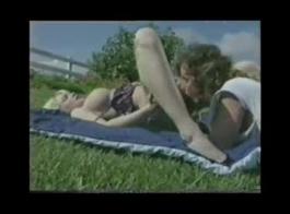 يمارس الجنس مع سافانا جايتين ، مولي بانغ ، سام ماكنزي في تجربة مرحاض قاسية